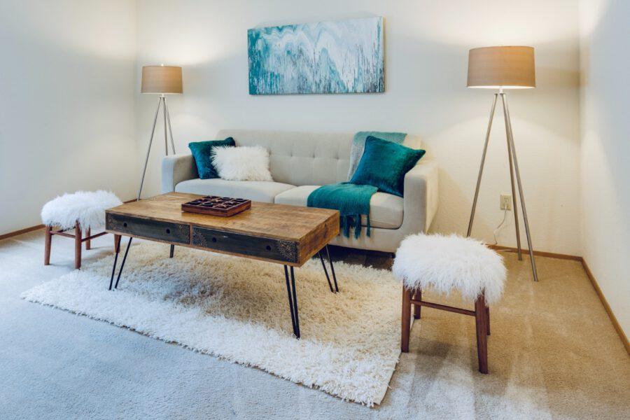 Jak zachować idealny wygląd mebli tapicerowanych na dłużej?